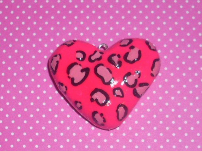 DiY leopard print heart necklace