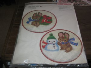 Holiday Hoops Merry Bunnies Vintage Stitchery Kit by Bernat