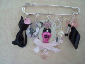 BROOCH...Sweet In Pink, Cat and Pink Jewels Kilt Pin, ...Designed By THE QUEENS ROYAL COACH