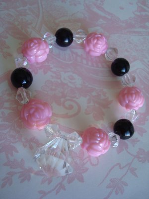 Bracelet, THE QUEENS PinK RoSeS with DIAMOND DROP and Black BeAdS Bracelet