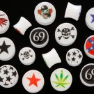 WHITE LOGO SADDLE PLUGS