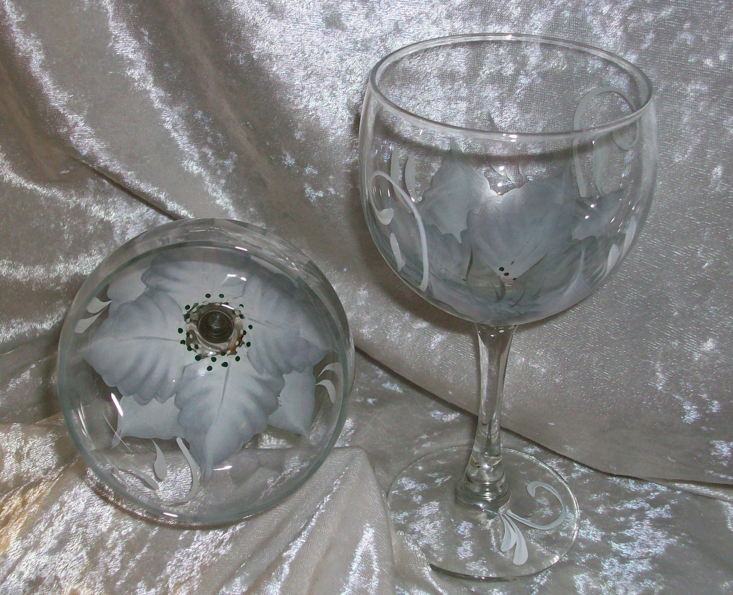 Hand Painted White/Silver Poinsettia Wine Glasses, set of 4