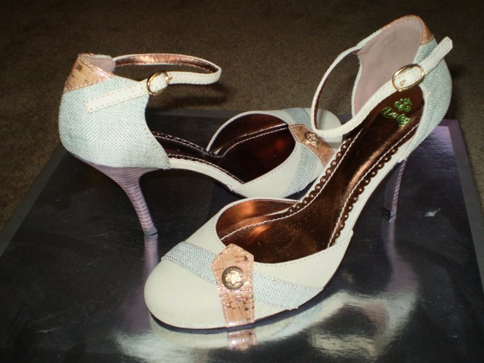 House of Dereon Dorsay Stiletto Heels Pumps Shoes 9.5