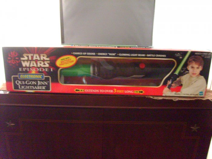 Star Wars Qui Gon Jinn The Phantom Menace Electronic Green Lightsaber MIB