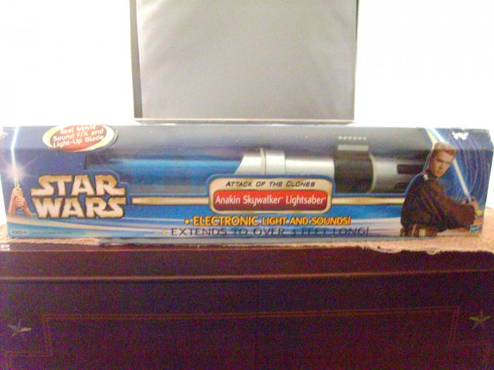 Star Wars Anakin Skywalker AOTC Attack Of The Clones Blue Electronic Lightsaber M