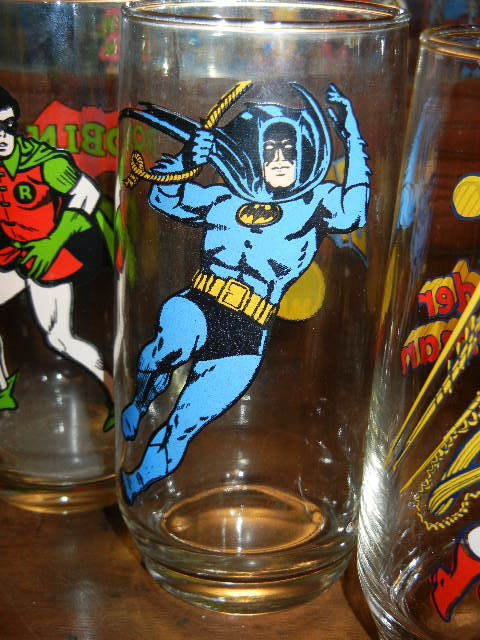 Batman Super Hero Rounded Bottom Variant Glass by Pepsi! VHTF