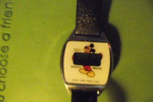 Mickey Mouse Bradley 1983 White Face Holding Time Window Watch VHTF