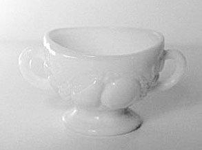 Westmoreland DELLA ROBBIA Milk Glass Open Sugar USA Vintage
