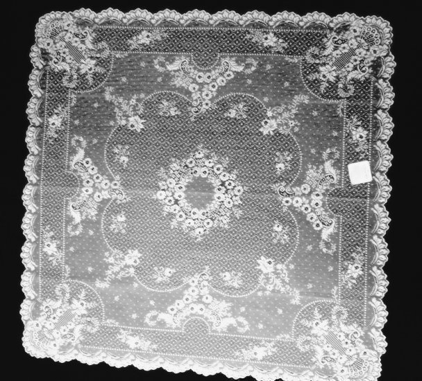 Table Toppers Floret 36 x 36 White Lace Table Topper Heritage Lace