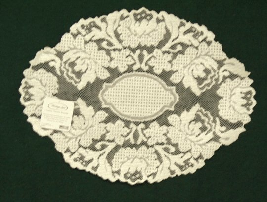 Windsor  Lace Placemat 14 x 20 Ecru Heritage Lace Set Of (4)