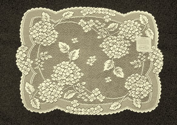 Placemats Hydrangea Table Linens 14 x 19 Ecru Heritage Lace Set Of (4)