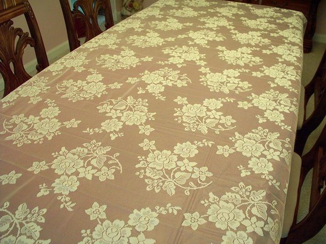 Lace Tablecloth Rose Bouquet Ivory 60x104 Oxford House