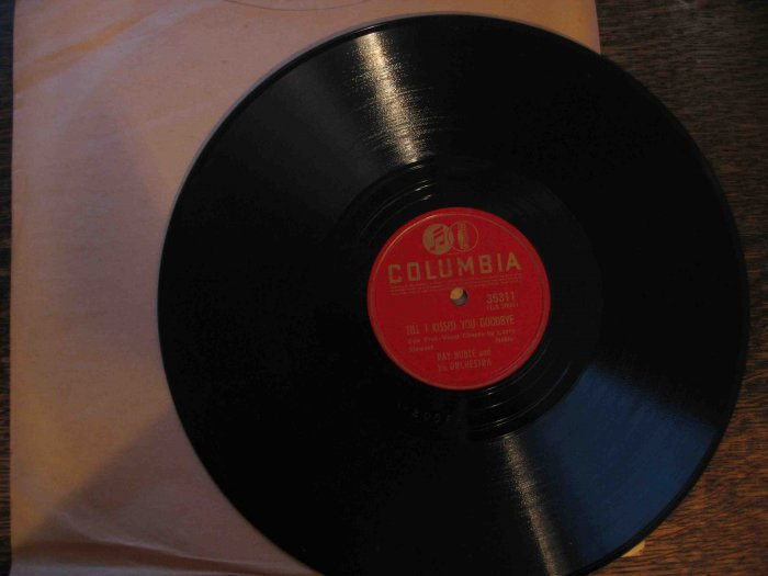 "Ray Noble 78 rpm record, ""Till I Kissed You Goodbye"" b/w ""When Irish Eyes Are Smiling"""