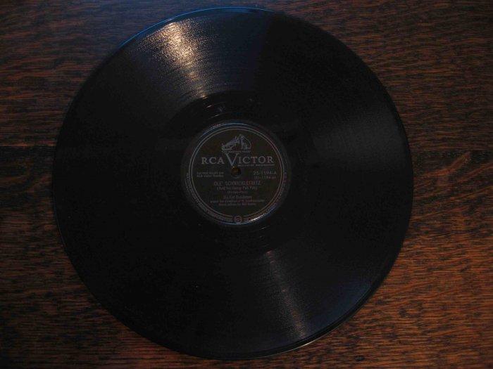 "Six Fat Dutchmen 78 rpm single, ""Ole' Schnicklefritz"" b/w ""Coquette (polka)"""