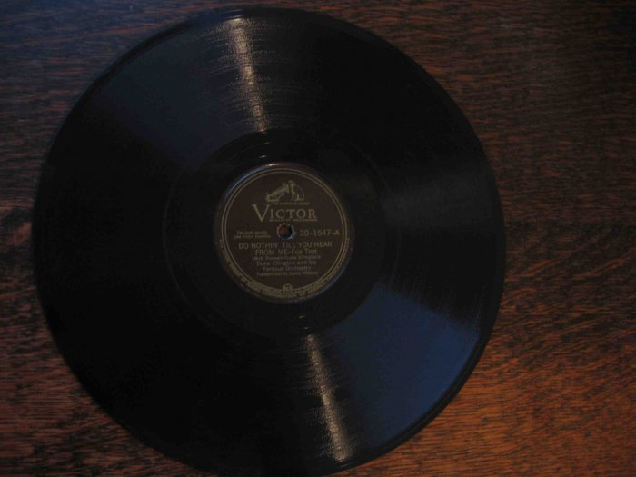 """Duke Ellington 78 rpm record, """"Do Nothin' Till You Hear from Me"""" b/w """"Chlo-e (Song of the Swamp)"""""""