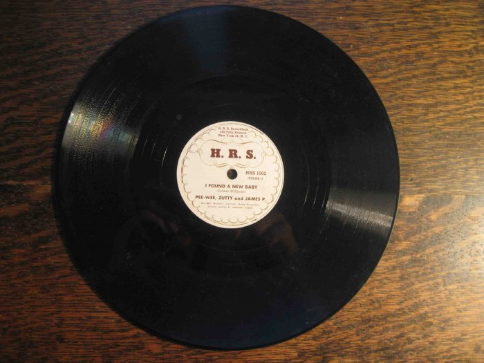 """James P. Johnson/Pee-Wee Russell 78rpm record, """"I Found a New Baby""""/""""Everybody Loves My Baby"""""""