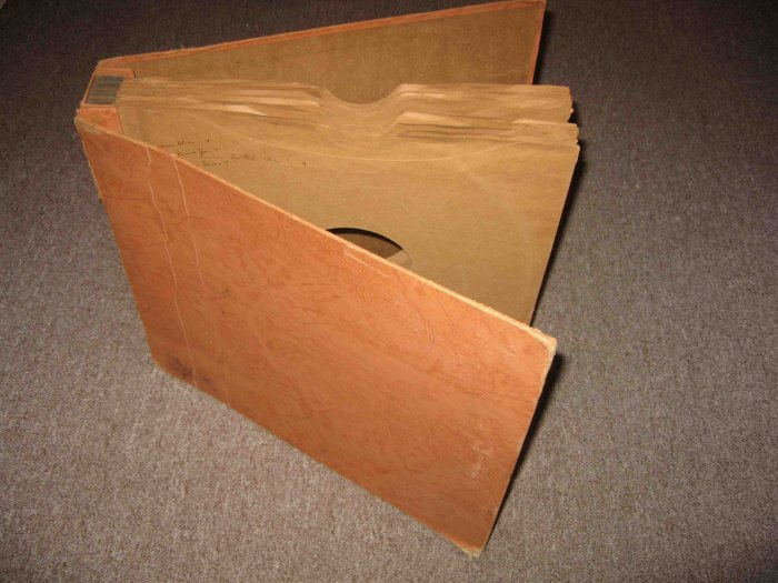"""Vintage album for 12"""" phonograph records; holds 12"""