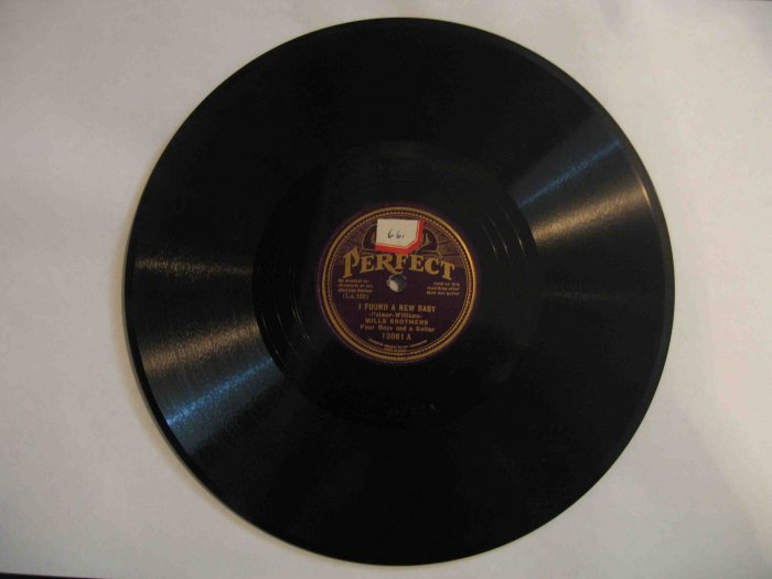 """Mills Brothers 78rpm, """"I Found a New Baby""""/""""Baby, Won't You Please Come Home"""" almost Near Mint"""