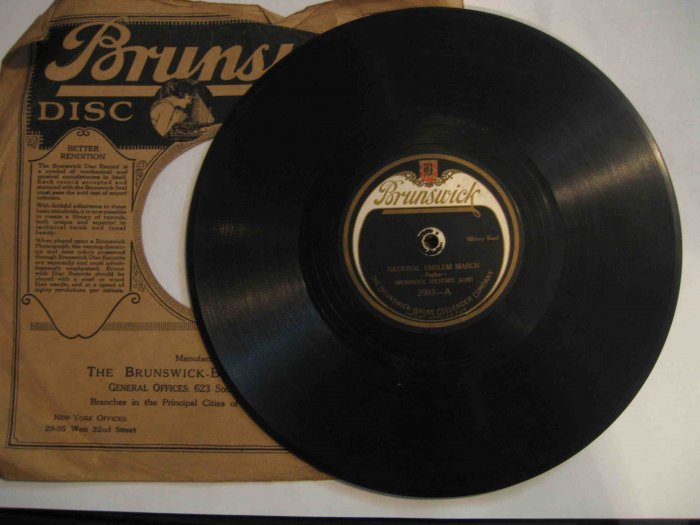 """Brunswick Military Band 78rpm, """"National Emblem March"""" / Sousa's """"Jack Tar March"""" in sleeve"""