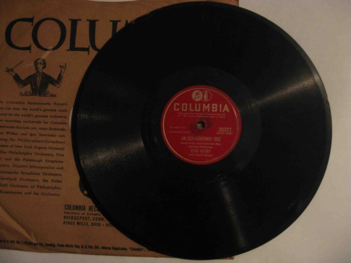 """Gene Autry 78 rpm record, """"An Old-Fashioned Tree""""/""""Here Comes Santa Claus"""""""