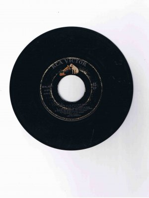 "Elvis Presley 45 rpm EP, six songs from ""Kid Galahad"""
