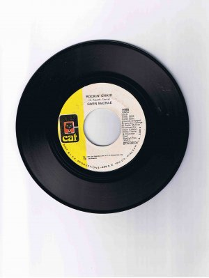 "Gwen McCrae 45 rpm single, ""Rockin' Chair"" / ""It Keeps On Raining"" (1975)"