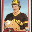 1981 Topps # 134 San Diego Padres Steve Mura nr mt