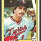 Minnesota Twins Rob Wilfong 1981 Topps Baseball Card 453 nr mt