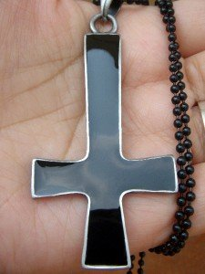 Satanic inverted cross occult demonic witch pewter necklace pendant FREE WORLDWIDE DELIVERY!