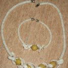 White necklace with bracelet