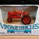 I.H.Farmall 300 Tractor Vintage Vehicles Ertl 1:43 Diecast
