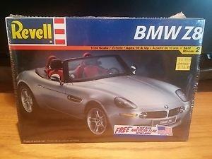 Revell BMW Z8 1:24 Scale Model Kit