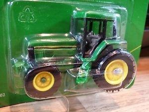 John Deere 7810 Tractor with MFWD Ertl Diecast 1:64