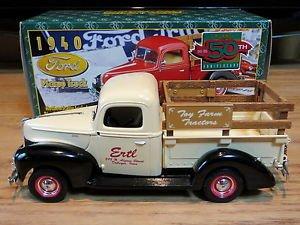1940 Ford Pickup Truck Toy Farm Tractors 1:25 Ertl