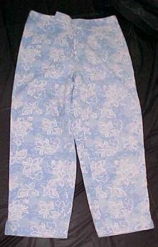 Liz Claiborne Villager Womens Capri Pants - Size 8