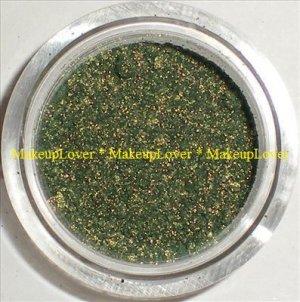 MAC Golden Olive 1/2 tsp. pigment sample