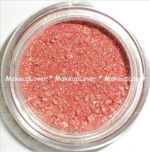 MAC Melon 1/4 tsp. pigment sample