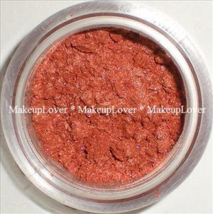 MAC Off the Radar 1/2 tsp. pigment sample LE (Rushmetal)