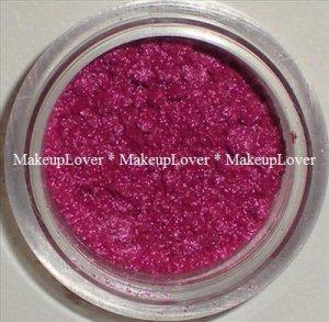MAC Fuchsia 1/2 tsp. pigment sample