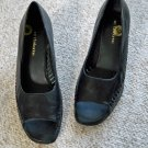 Liz Claiborne Classic Peep Toe Leather Pumps Black Size 9