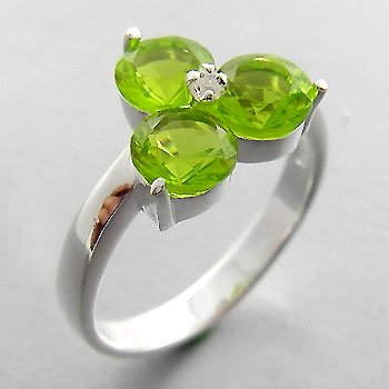 925 Sterling Silver With Peridot CZ & White CZ  Ring size 9