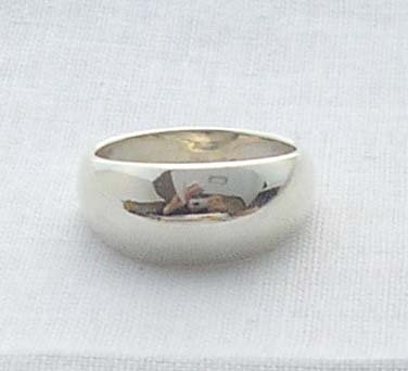 Solid Silver dome ring, size 6