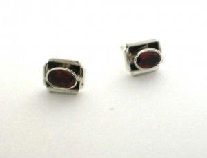 Silver garnet earrings stud