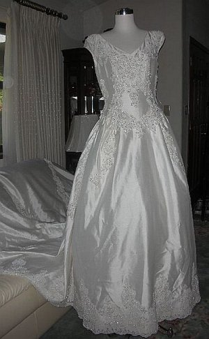 Wedding Gown Silk Pearls Lace Embroidery  sz 14