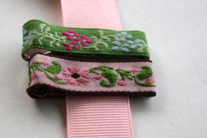 Set of vintage alligator hair clips