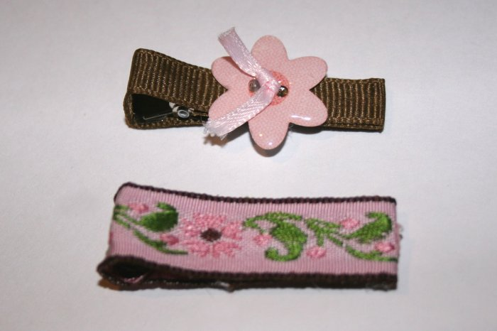 Set of two vintage pink and brown alligator clips