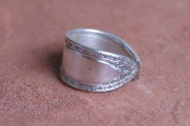 Oneida Romona 1928 Pattern Silver Plated Fork Ring # 008  SZ 7