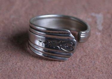 Wm. Rodgers Avon pattern from 1940 Silver plate Silverware Spoon Ring # 017  SZ 10 1/2