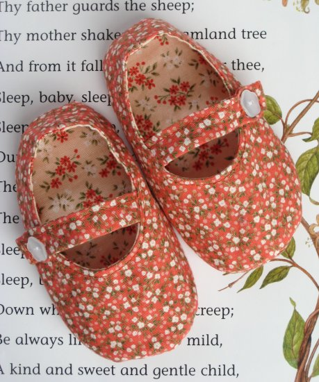 Sweet Little Mary Jane Baby Shoes PDF Pattern