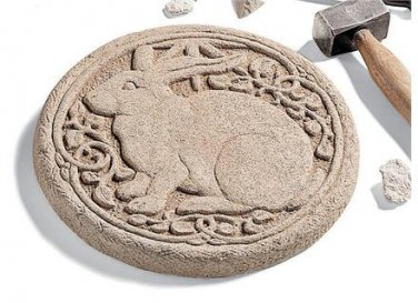Rabbit Stepping Stone-Round � Aged 523A